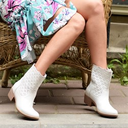 Sail Lakers - White Genuine Leather Staple Detailed Slip on Womens Summer Boots