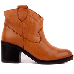 Sail Lakers - Tobacco Color Genuine Leather Slip On Womens Heeled Boots