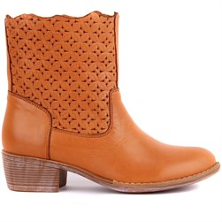 Sail Lakers - Tobacco Color Genuine Leather Staple Detailed Slip On Womens Summer Boots